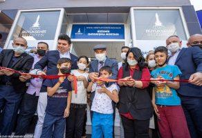 İzmir'de dört Bizİzmir Dayanışma Noktası hizmete açıldı