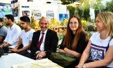 İzmir gençlere kucak açıyor