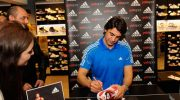 adidas, İbrahim Kutluay'ı Yalı Spor Karşıyaka Mağazası'nda hayranları ile buluşturdu
