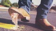 Ayakkabının Altına Yapışan Sakız Nasıl Çıkar?