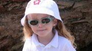 Çocuklar da güneş gözlüğü takmalı mı?