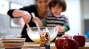 Laktoz intoleransından korunmak için çocuğunuza süt içme alışkanlığı kazandırın